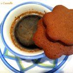 Biscotti cacao amaro e spezie