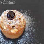 Muffin alle amarene e gocce di cioccolato bianco