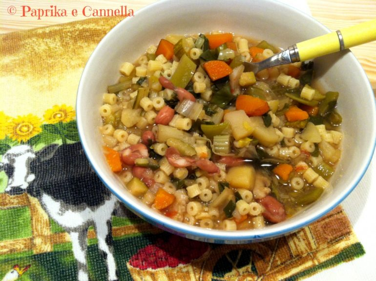 Minestrone con pesto di rucola di Paprika e Cannella