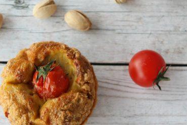 Muffin frittata pomodori secchi e pistacchi